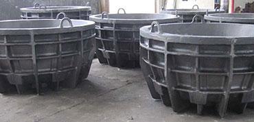 Slag pots, melting kettles, pig moulds, transfer ladles, crucibles, holding pots, dross pans, ingot moulds, sow moulds